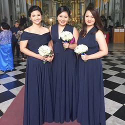 Stunning bridesmaids of _itsybitsycovy wearing navy blue #infinitygownsbylovec 💙_