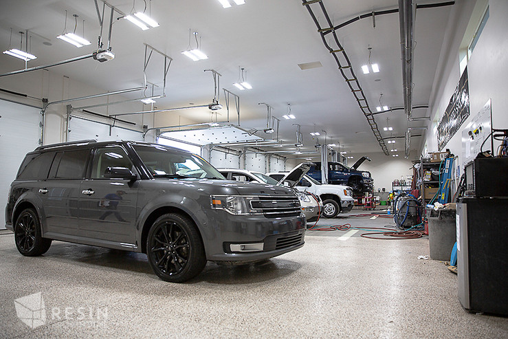 Image of the repair and detail bays inside Elite Auto Sales in Idaho Falls.