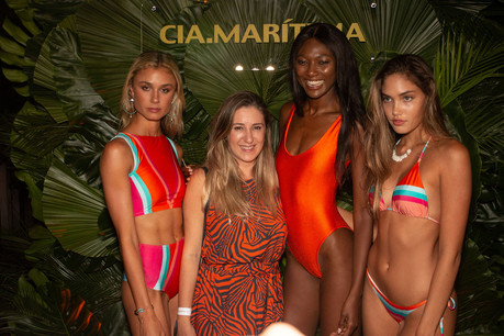 CIA MARITIMA's marketing director FLAVIA VAGEN and the models