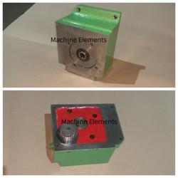 G6403863 - feed motor flaange - Gearbox-