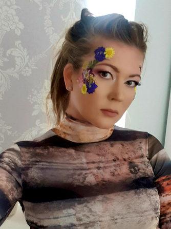 Floral Makeup - Festival makeup - Festiv