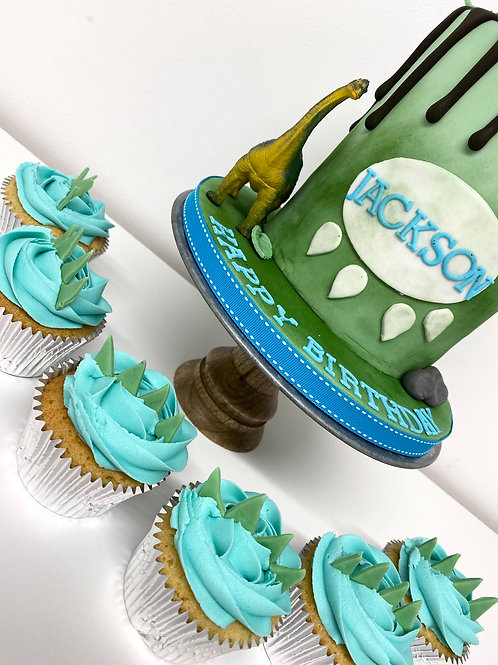 Matching theme cupcakes