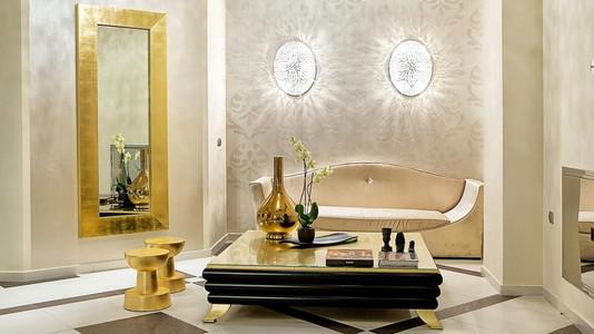 Interiér v zlatej farbe (zdroj: pluska.sk)