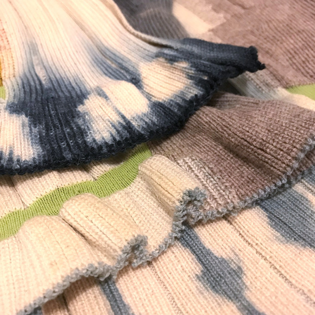 Knitted samples dyed using the shibori technique