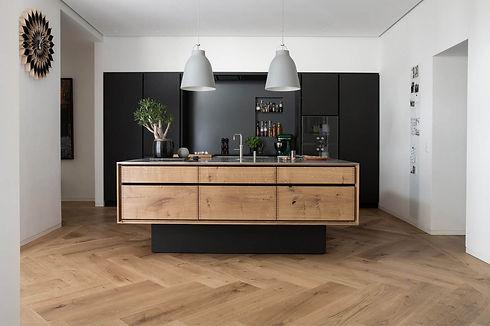 bespoke-heartoak-fingerjointed-cabinets.