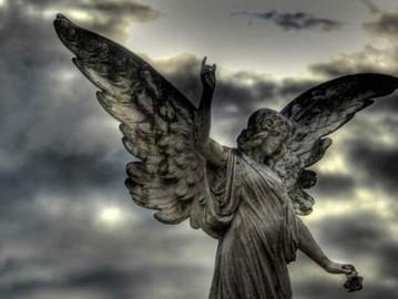 Os anjos nos abandonam