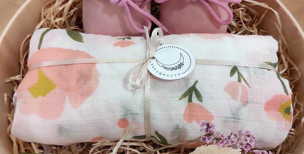 """Gift box """"Peach Flower"""""""