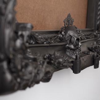 Frame detail: bottom of frame