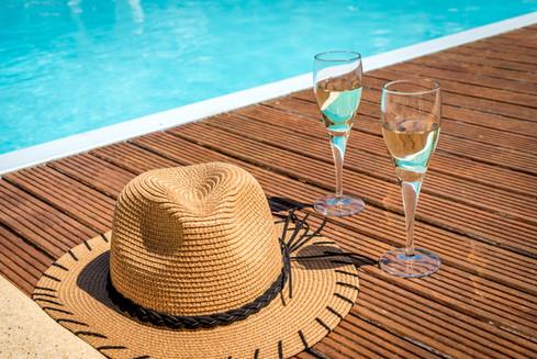 champagne-piscine-hotel-photo-bretagne.j