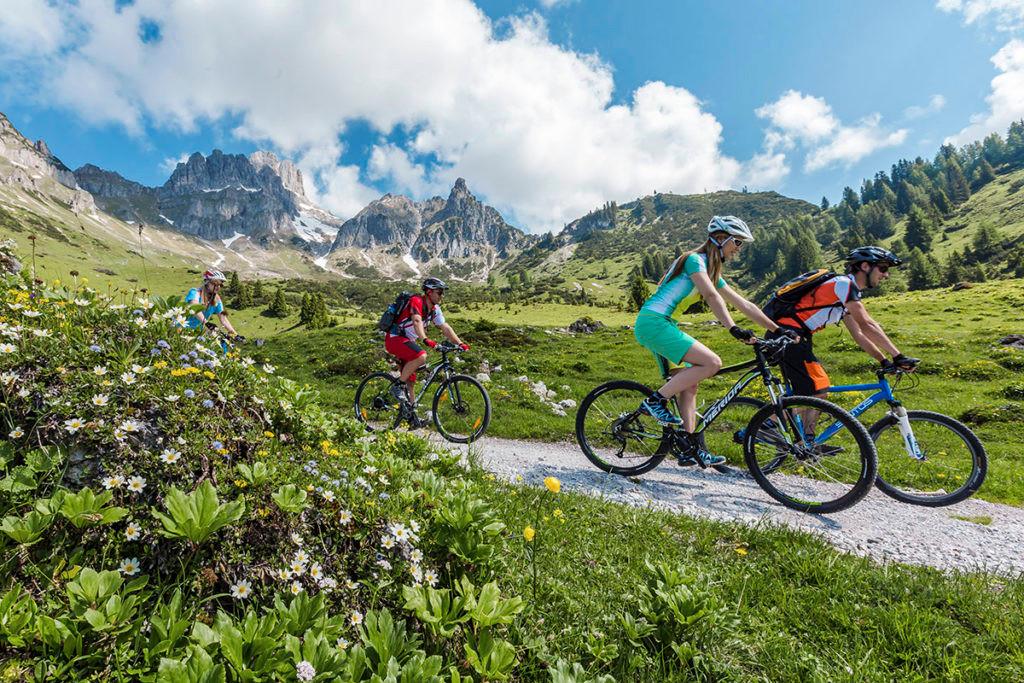 radfahren-mountainbiken-sommerurlaub-rad