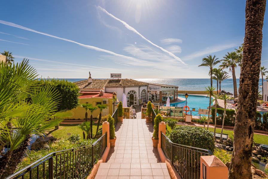 Macdonald Doña Lola Resort