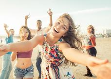 Norske studenter sammen i utlandet. Minner for livet. Reise og opplevelser. Hvorfor t et friår om du kan oppleve landet og flee steder i Asia etter skoletid og i helgene?