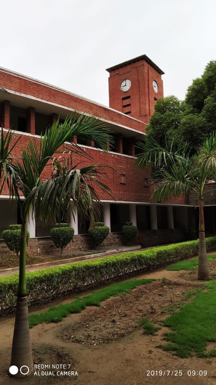 Delhi University , SRCC