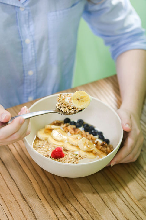 bol de yogur griego con granola