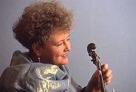 monica-huggett.jpg