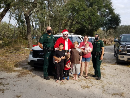 FOPA of Pasco adopts a family for Christmas