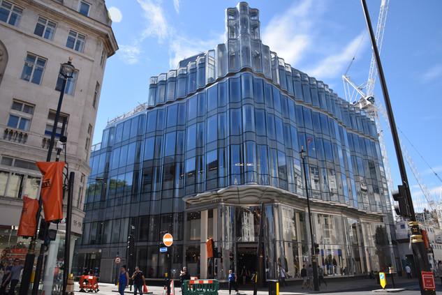 Zara Fassade, London