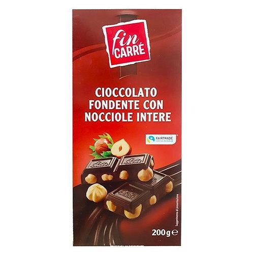 fin carre cioccolata fondente con nocclole intere