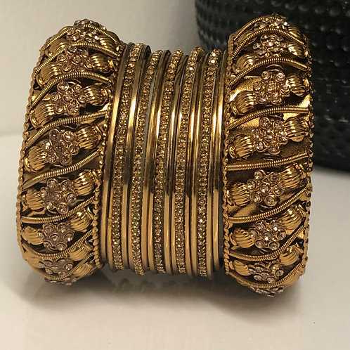 1 HAND Golden Diva Bangle Set (1 hand only)