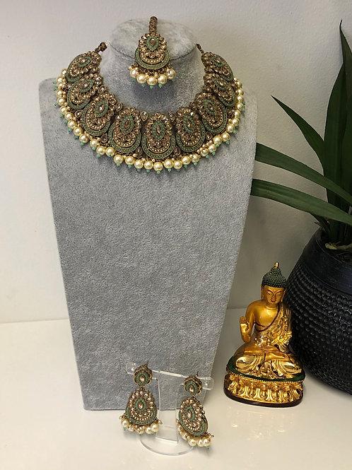 ROMIKA Pista Green Choker Necklace Set