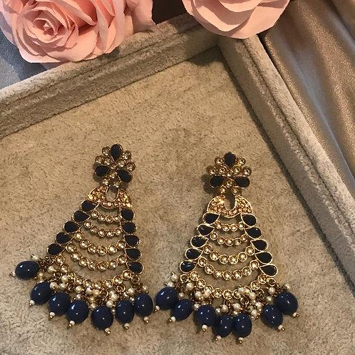 SHIKA Black Earrings