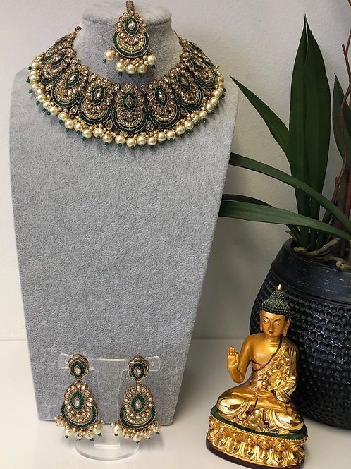 ROMIKA Bottle Green Choker Necklace Set