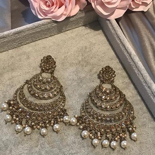 AMRITA Pearly White Earrings