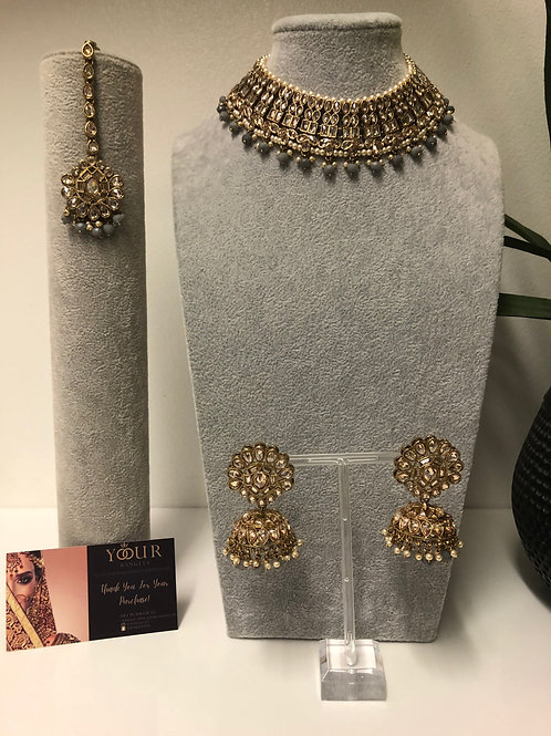 AAINA Grey Choker Necklace Set