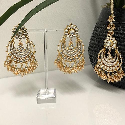 PACHI KUNDAN Golden Earring & Tikka Set