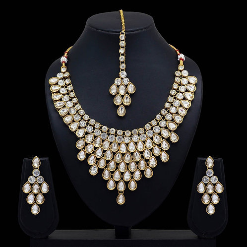 Partywear Collection White Color Kundan Necklace With Earring & Maang Tikka