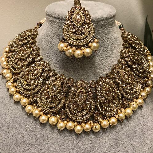 ROMIKA Golden Choker Necklace Set