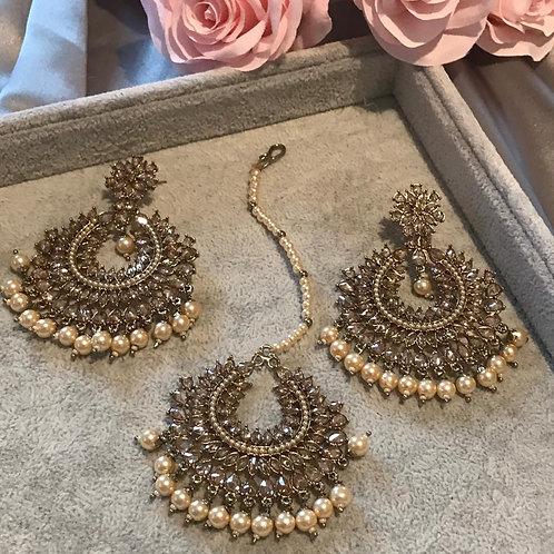 PAYAL Golden Earring & Tikka Set