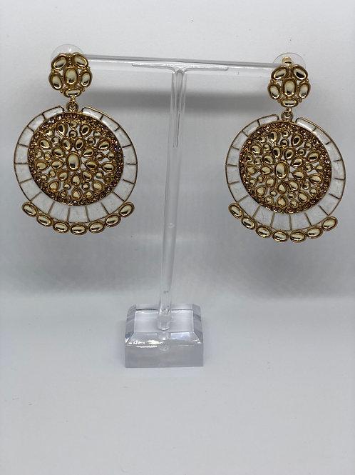 KAVYA Pearly White Earrings