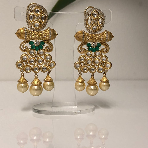 MEHAK Golden Kundan Earrings (with Meenakari) - Emerald Green