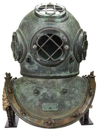 a-schrader's-son-antique-diving-helmet-1