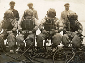 four-divers.jpg