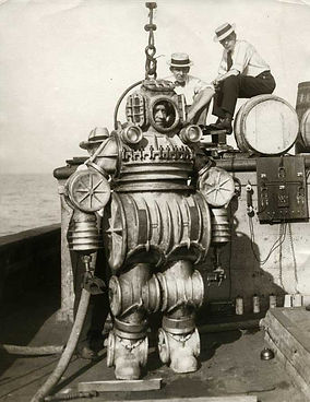 1914-macduffee-deep-sea-diving-suit-8.jp