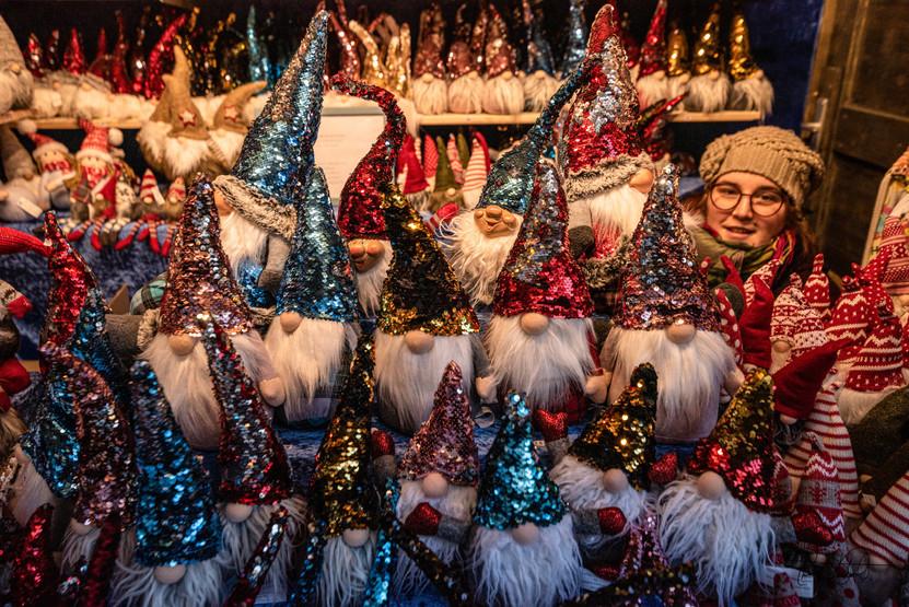 Cathedral of St Stephen Christmas Market (Kathedrale von St. Stephen Weihnachtsmarkt) - Santas