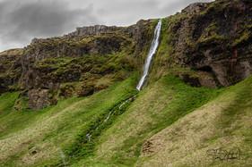 Waterfall west of Seljalandsfoss KS2_6210.jpg