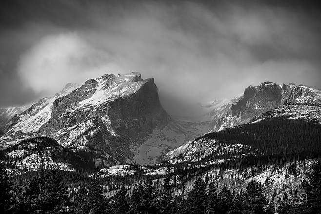 Hallet Peak in Black&White