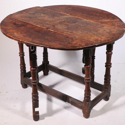 Early 18th Century British Elmwood Table