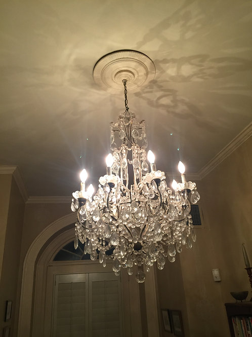Italian 12 light chandelier