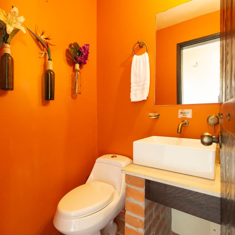 Baño social piso 1