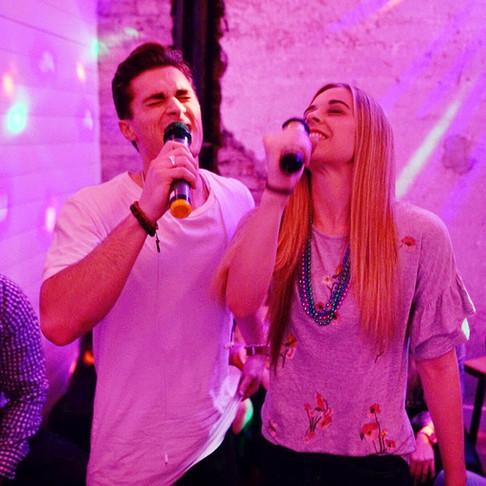 6 Reasons For Karaoke On The First Date