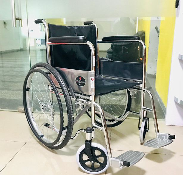 Manual Wheelchair with large wheels