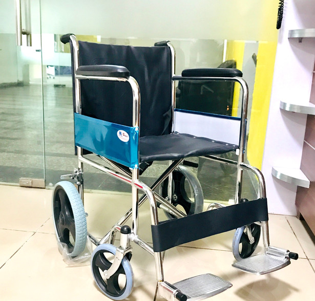 Manual Wheelchair with solid rubber wheels