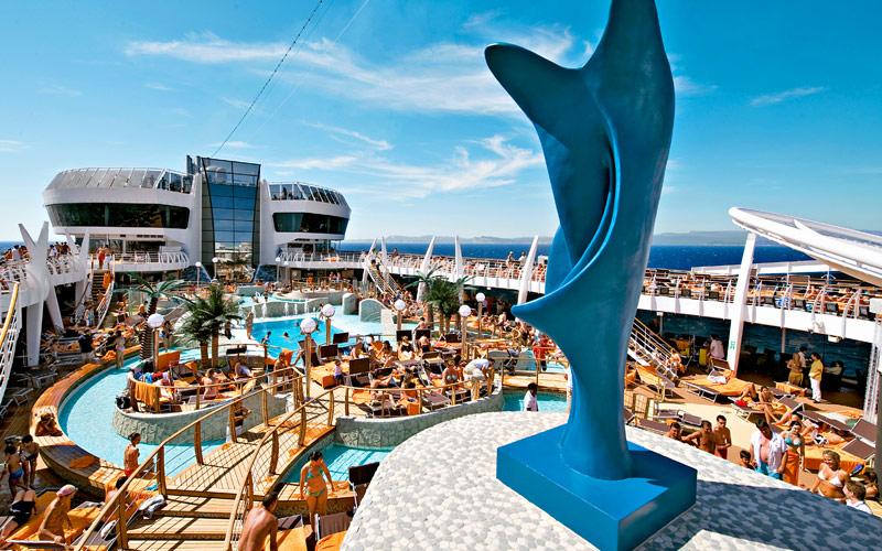 msc-cruises-msc-spendida-pool-deck-gallery