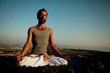 La meditación yoga del hombre