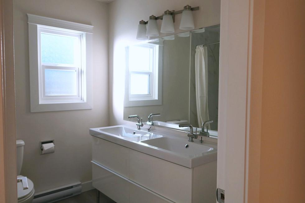 ② ③ 共用衛浴