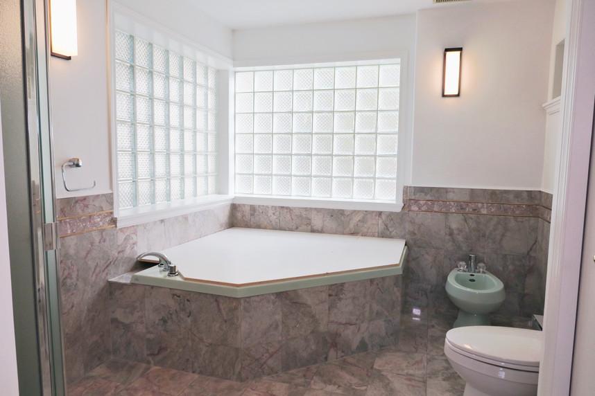 ①套房衛浴